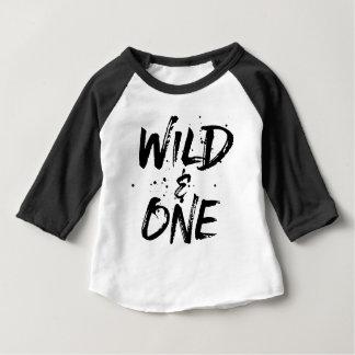 Camiseta Para Bebê Rotulação escovada selvagem e uma preta