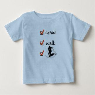 Camiseta Para Bebê Rugby da caminhada do rastejamento
