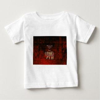 Camiseta Para Bebê Rumi inspirado o que você procura citações