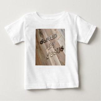 Camiseta Para Bebê Salvar por Jesus 2