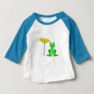 Camiseta Para Bebê sapo pequeno e flor amarela