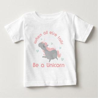 Camiseta Para Bebê Seja um unicórnio
