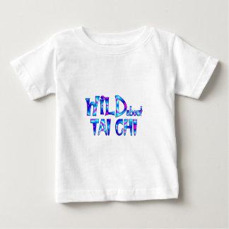 Camiseta Para Bebê Selvagem sobre o qui da TAI