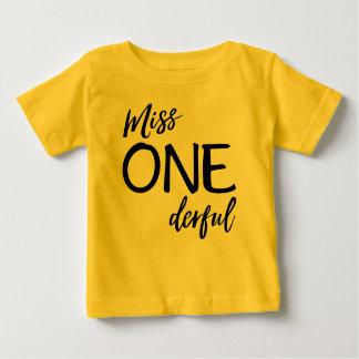Camiseta Para Bebê Senhorita. Onederful