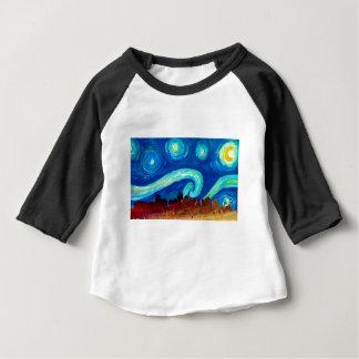 Camiseta Para Bebê Silhueta da skyline de Boston com noite estrelado