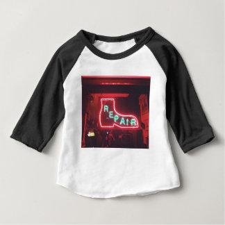 Camiseta Para Bebê Sinal de néon NYC de Repare
