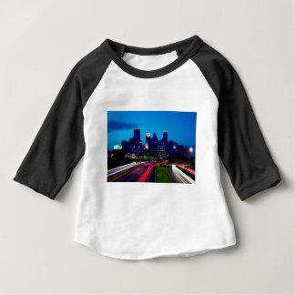 Camiseta Para Bebê Skyline da noite de Minneapolis