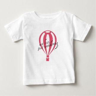 Camiseta Para Bebê Slogan nao perdido, apenas vagueando do viagem
