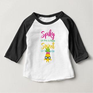 Camiseta Para Bebê Spiky no doce da parte externa no interior