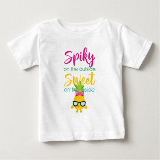 Camiseta Para Bebê Spiky no doce da parte externa sobre para dentro