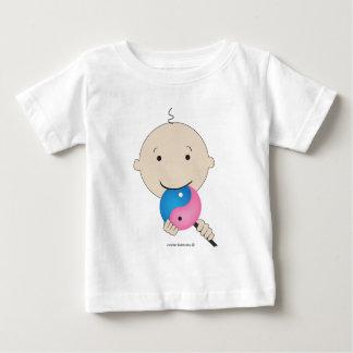 Camiseta Para Bebê T-shirt - bebê com o pirulito de yang do yin