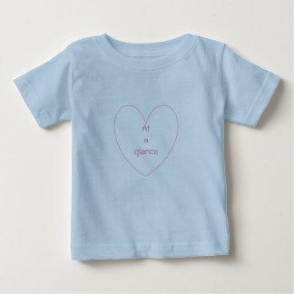Camiseta Para Bebê T-shirt bonito e bonito do coração