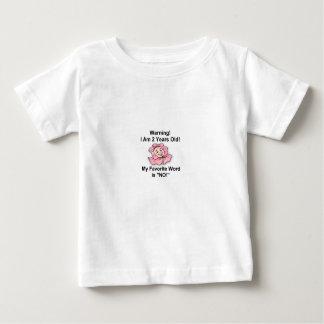 Camiseta Para Bebê T-shirt branco do bebê dois anos de palavra