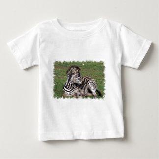 Camiseta Para Bebê T-shirt de descanso do bebê da zebra