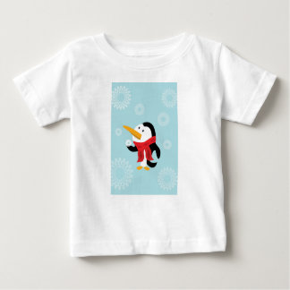 Camiseta Para Bebê T-shirt do pinguim e do floco de neve