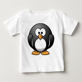 Camiseta Para Bebê T-shirt do pinguim para o bebê