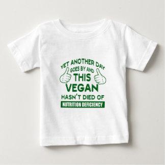 Camiseta Para Bebê T-shirt engraçado do Vegan