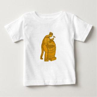 Camiseta Para Bebê Tanoeiro que faz o desenho de madeira do tambor