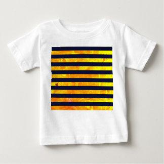 Camiseta Para Bebê Teste padrão ambarino das listras do fundo |