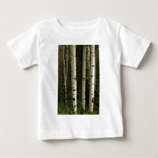 Camiseta Para Bebê Textura de um retrato da floresta
