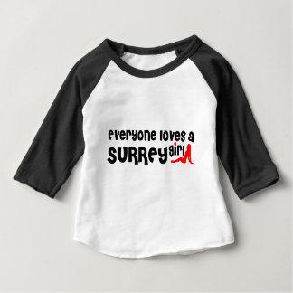 Camiseta Para Bebê Todos ama uma menina de Surrey