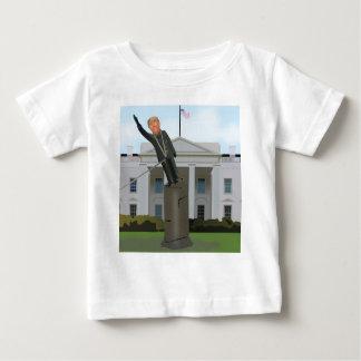 Camiseta Para Bebê Toppling do trunfo