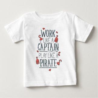 Camiseta Para Bebê Trabalho como um capitão Jogo Como um pirata