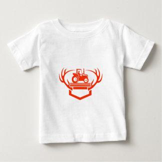 Camiseta Para Bebê Trator do Antler dos cervos da cauda branca retro