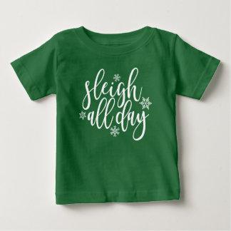 Camiseta Para Bebê Trenó o dia inteiro