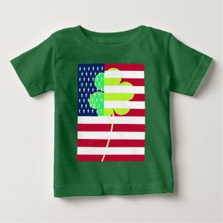Camiseta Para Bebê Trevo irlandês St Patrick do trevo da bandeira