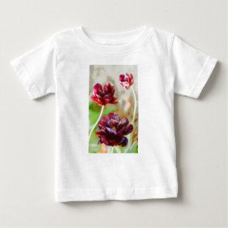 Camiseta Para Bebê Trio de florescência da tulipa da peônia escura do