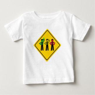 Camiseta Para Bebê Trio temperamental do sinal de trânsito adiante