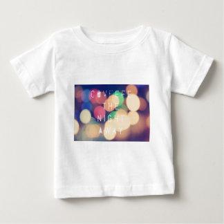 Camiseta Para Bebê Tshirt político da roupa do tweet de Covfefe