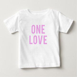 Camiseta Para Bebê Um impressão cor-de-rosa do amor