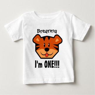 Camiseta Para Bebê Uma menino ou menina do primeiro aniversario do