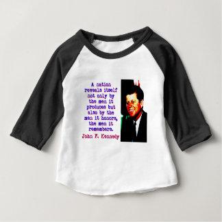 Camiseta Para Bebê Uma nação revela-se - John Kennedy
