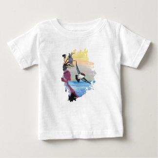 Camiseta Para Bebê Uma opinião dos pássaros