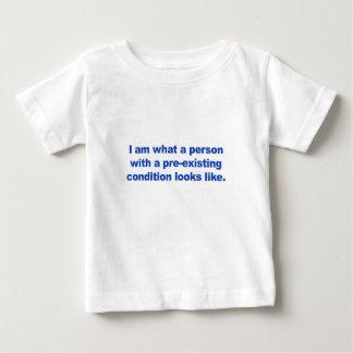 Camiseta Para Bebê Uma pessoa com uma circunstância pre-existente
