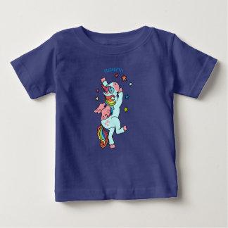 Camiseta Para Bebê Unicórnio bonito da dança com asas e estrelas