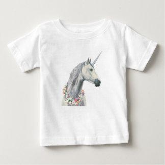 Camiseta Para Bebê Unicórnio do espírito com as flores em torno do