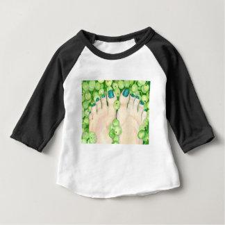 Camiseta Para Bebê Uvas verdes e Pedicure