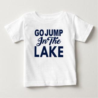 Camiseta Para Bebê Vai o salto no lago