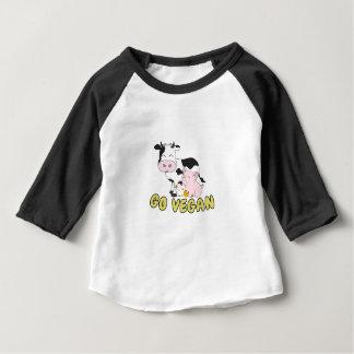 Camiseta Para Bebê Vai o Vegan - porco bonito, vaca e galinha