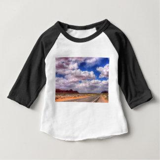 Camiseta Para Bebê Vale do monumento das nuvens de tempestade, Utá