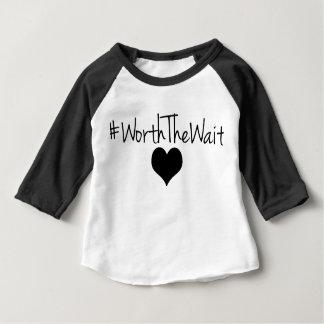 Camiseta Para Bebê Valor o T do basebol da espera para o bebê