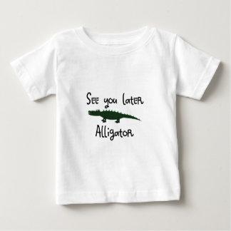 Camiseta Para Bebê veja-o um jacaré mais atrasado