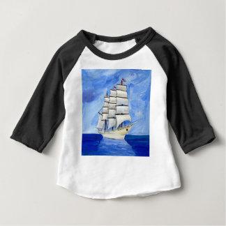 Camiseta Para Bebê veleiro branco no mar azul