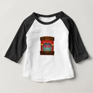 Camiseta Para Bebê vermelho a cortina da extremidade