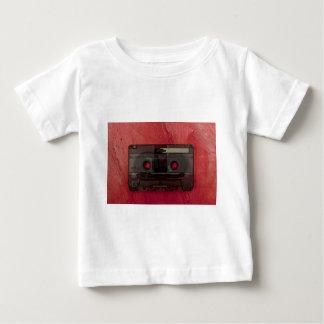 Camiseta Para Bebê Vermelho do vintage da música da cassete de banda