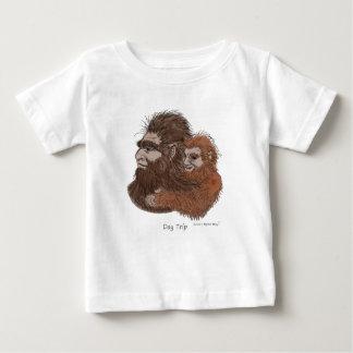 Camiseta Para Bebê Viagem do dia na cor, estilo art. do poster